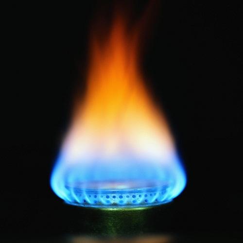 Bếp gas bị bùng lửa – đọc ngay để xử lý