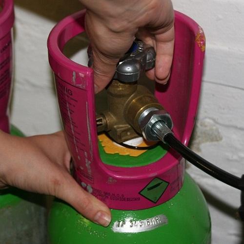 Khóa bình gas ngay sau khi đun nấu
